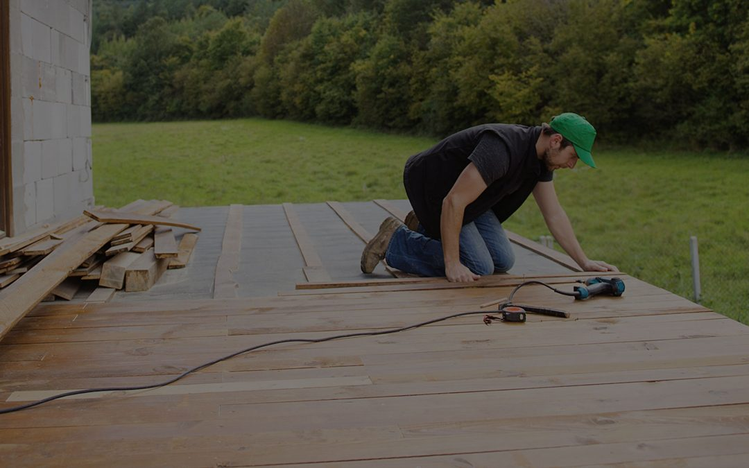 HOW TO  FIND THE BEST DECK BUILDER FOR YOUR HOME
